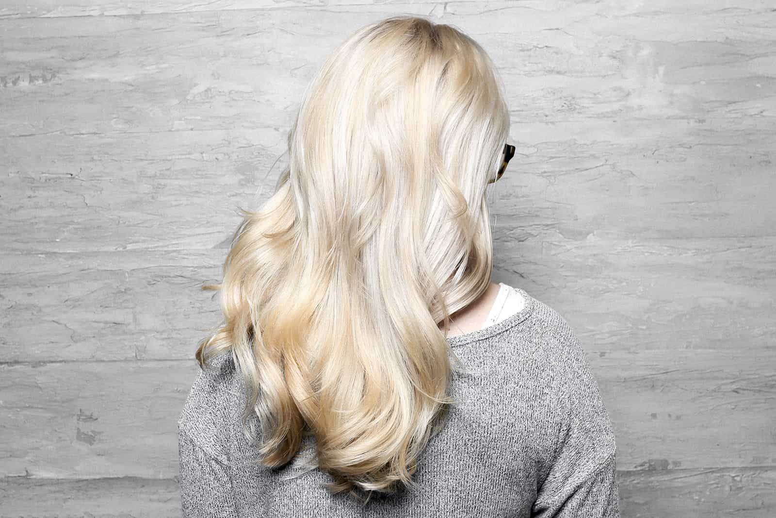 Blow out hair with smooth brushed out curls