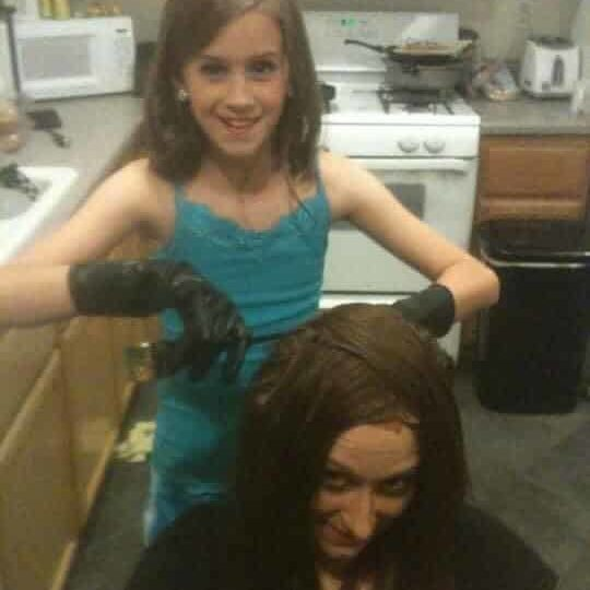 Hailey Woolworth The Hair Standard Las Vegas Doing Her Moms Hair